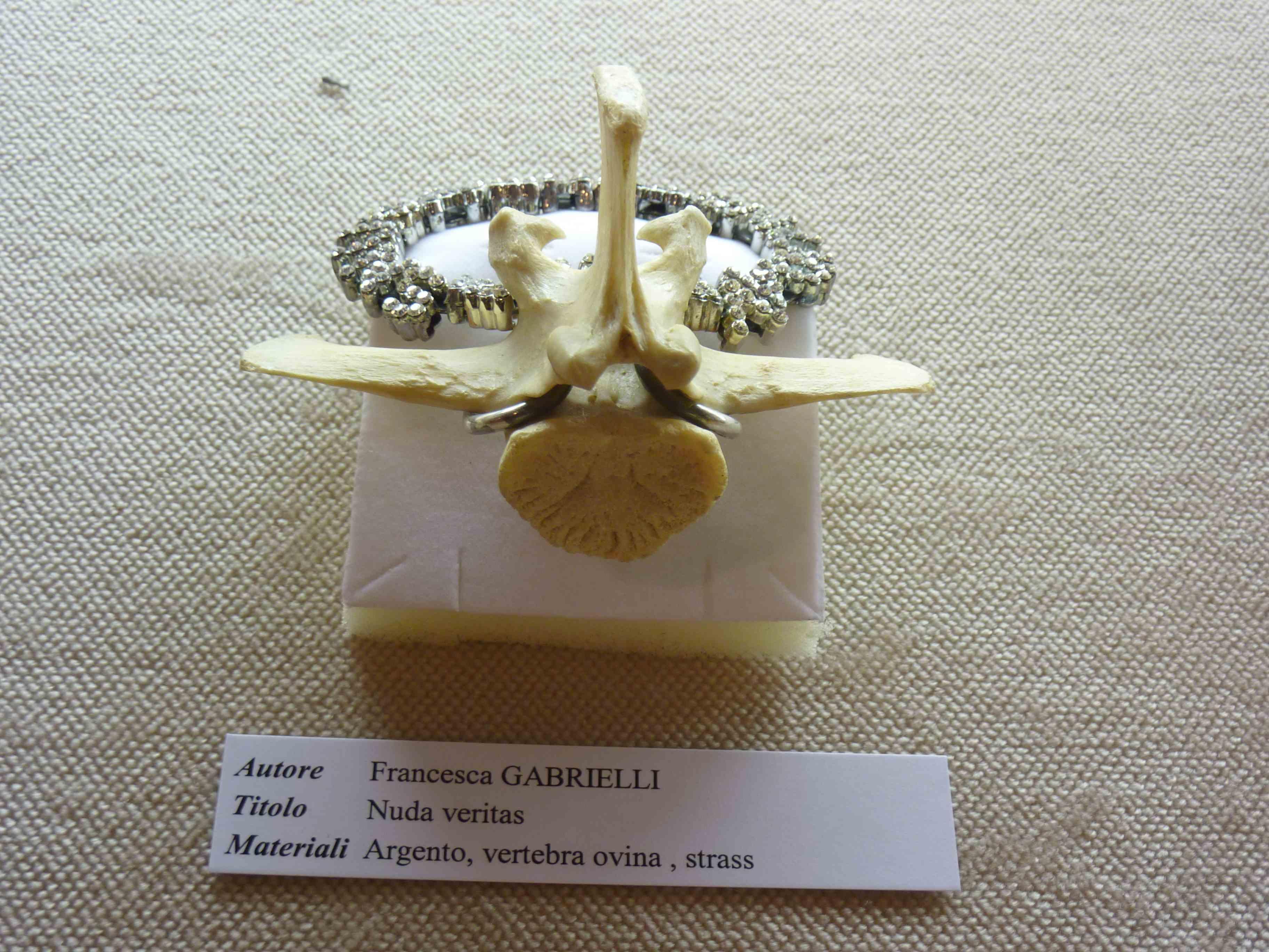 Francesca Gabrielli Nuda veritas