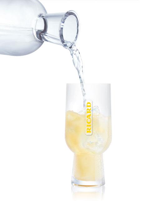 Caraffa e bicchiere di Mathieu Lehanneur per Ricard