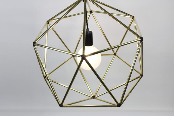 Rough Diamond di Jonathan Ben Tovim Globe
