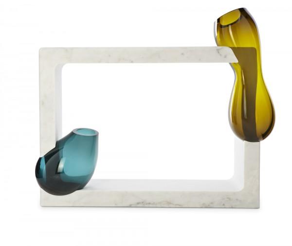 Osmosi, Complemento 5. Marmo di Carrara Xtra C e vetro soffiato. Dim.110 x 35 x h 80cm (vetriesclusi)