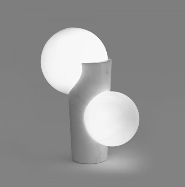 Osmosi, Lampada 1. Marmo di Carrara e vetro soffiato. Dim. 50 x 30 x 64cm.