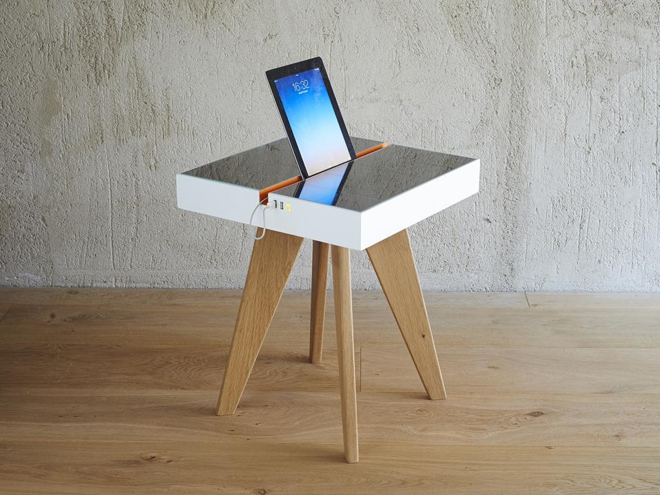 Tavolino con pannelli fotovoltaici Lucio di Studio Natural