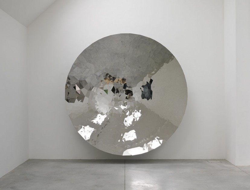 Anish Kapoor – untitled 2009 | Stainless steel 300×300×61cm