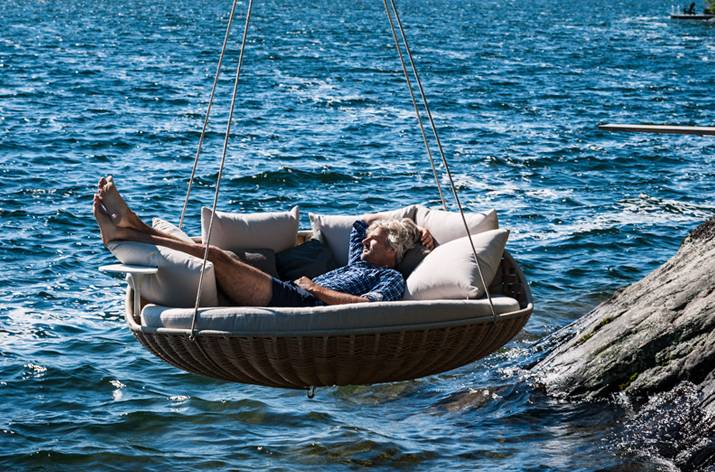 DEDON Swingrest Hanging Lounger Design by Daniel Pouzet