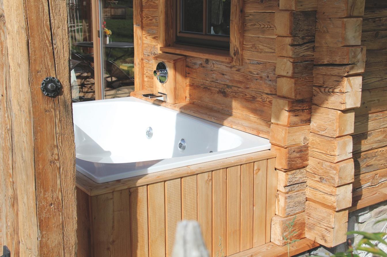 Vasca con idromassaggio Plaza Duo di Kaldewei con sistema Vivo Turbo Fonte dell'immagine: Chalet Resort LaPosch