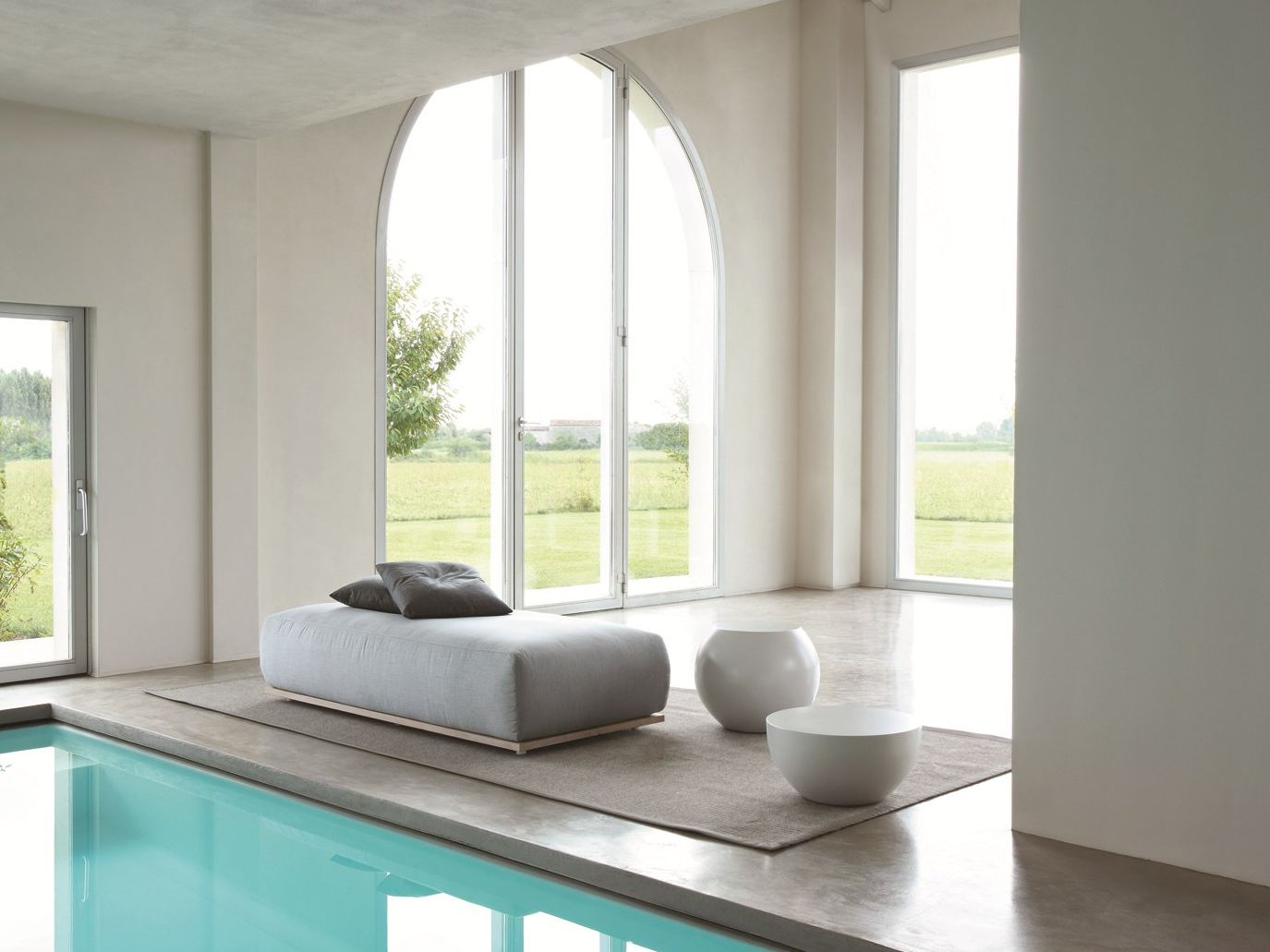 CLOUD: LOUNGE BED DI ANDREA PARISIO PER MERIDIANI