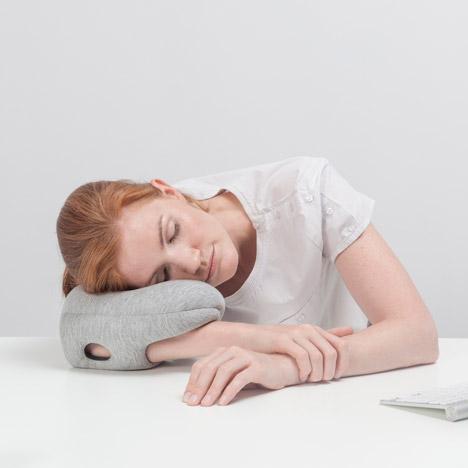 Ostricht Pillow Mini Studio Banana Things