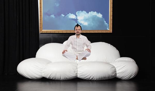 """""""Cirrus""""divano-nuvola del designer slovacco Dizajno"""