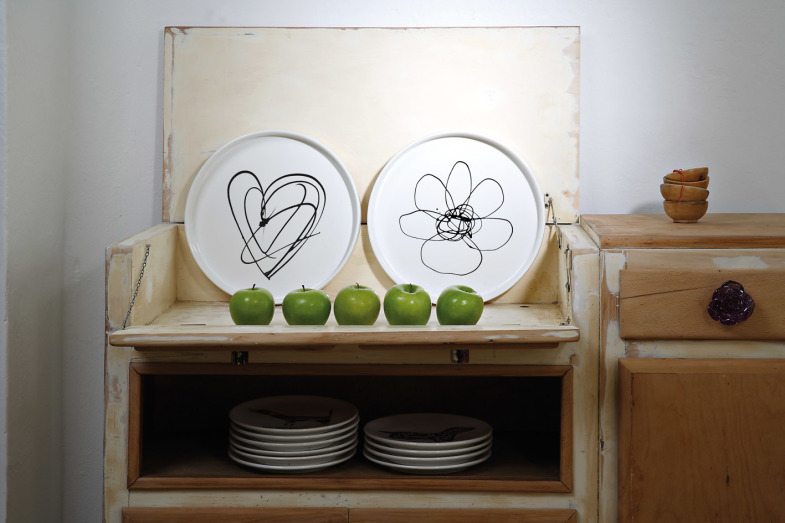 "Creativando The Round Trays ""Lonely Heart"" e ""Daisy"" Design: CDT Artwork: Laura Ellero"
