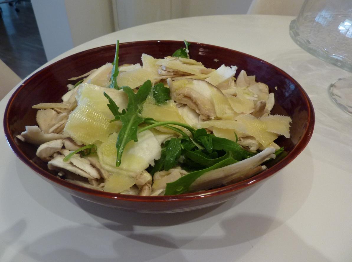 insalata porcini rucola e scaglie di parmigiano arredoeconvivio