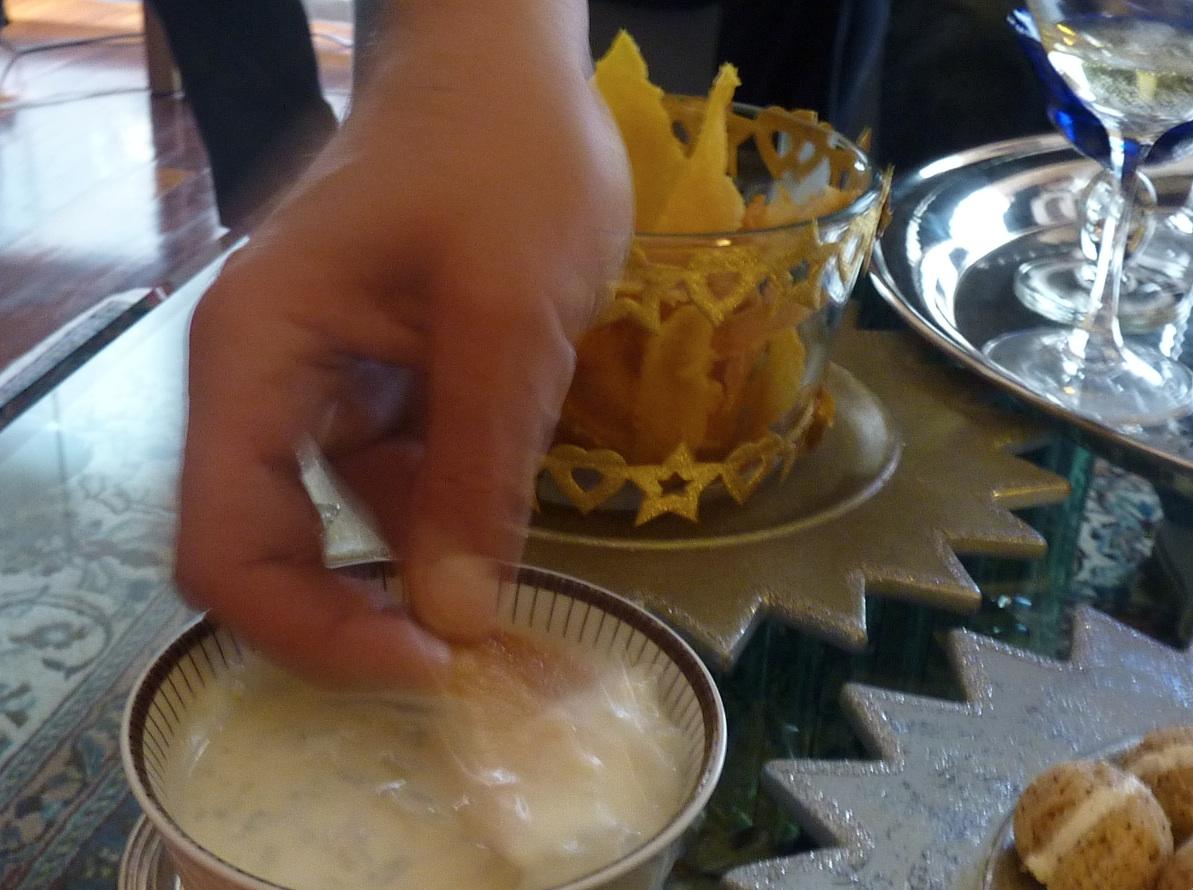 Chips di Polenta croccante con crema di gorgonzola