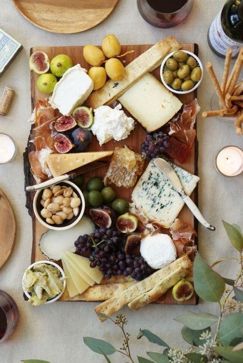 tagliere formaggi e frutta