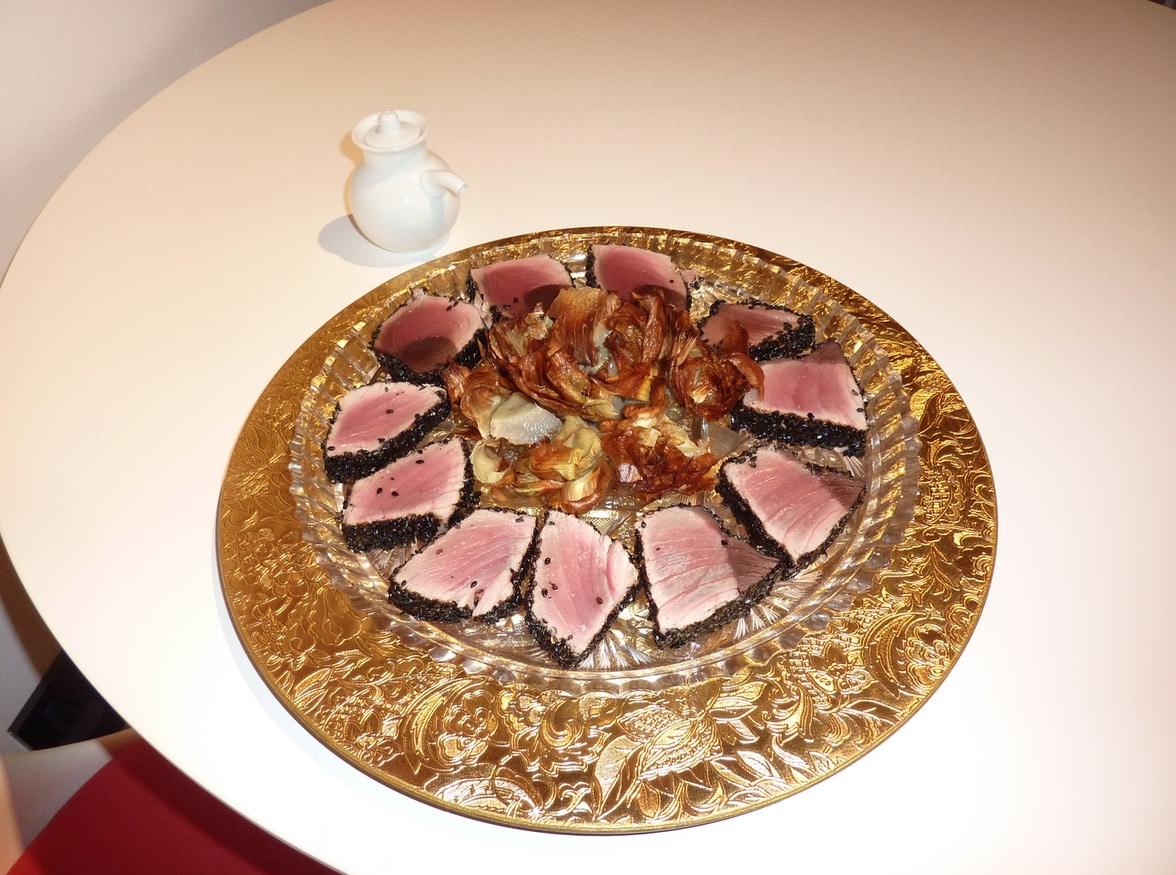 Copia di tonno scottato con citronette e carciofi fritti