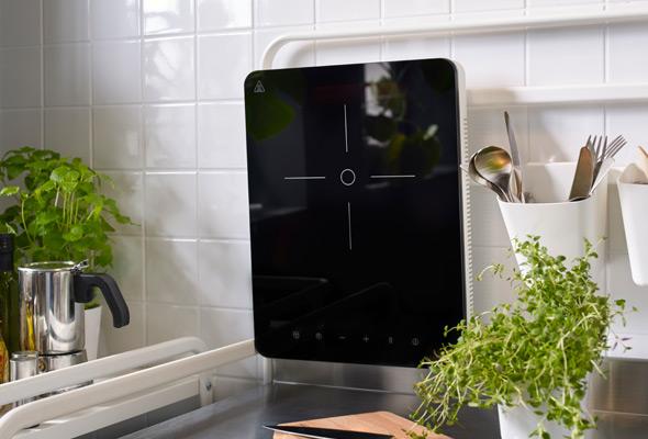 Sunnersta cucina low cost di ikea con piastra ad for Piastra a induzione portatile ikea